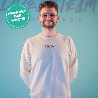 Unser Produkt der Woche kommt aus dem Merch von @slinny_and.i. 💥  Das Dreamteam Sweatshirt in der Farbe Natural Raw wird von uns mit grauem Garn auf der Brust bestickt, sieht schick aus und ist sehr angenehm auf der Haut. Was will man mehr?   × 85% Bio-Baumwolle, 15% Recyceltes Polyester × Vegan🌱 × In vielen Trendfarben erhältlich   #giplant #gplnt #giessen #fairfashion #shop #tshirtprint #ökotex #gots #vegan #nachhaltig #motiv #design #dreamteamrepresent #dreamteam #stanleystella #sweatshirt #trend #merch